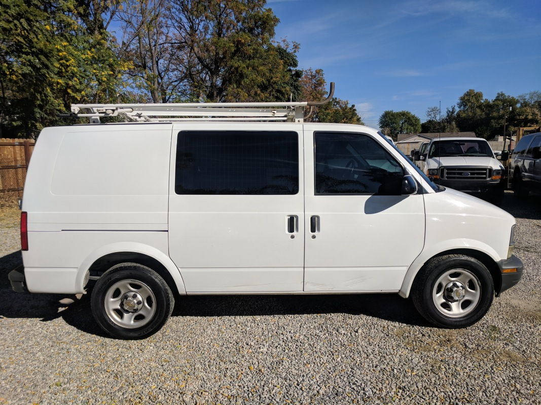 black dark pewter medium cargo in car van awd all chevrolet express